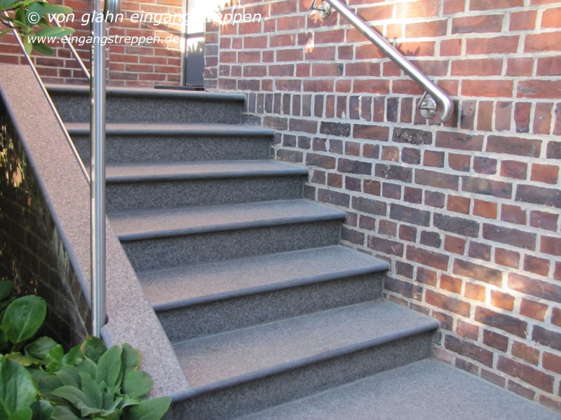 natursteintreppe au en eingangstreppe und tafellager naturstein nero impala. Black Bedroom Furniture Sets. Home Design Ideas