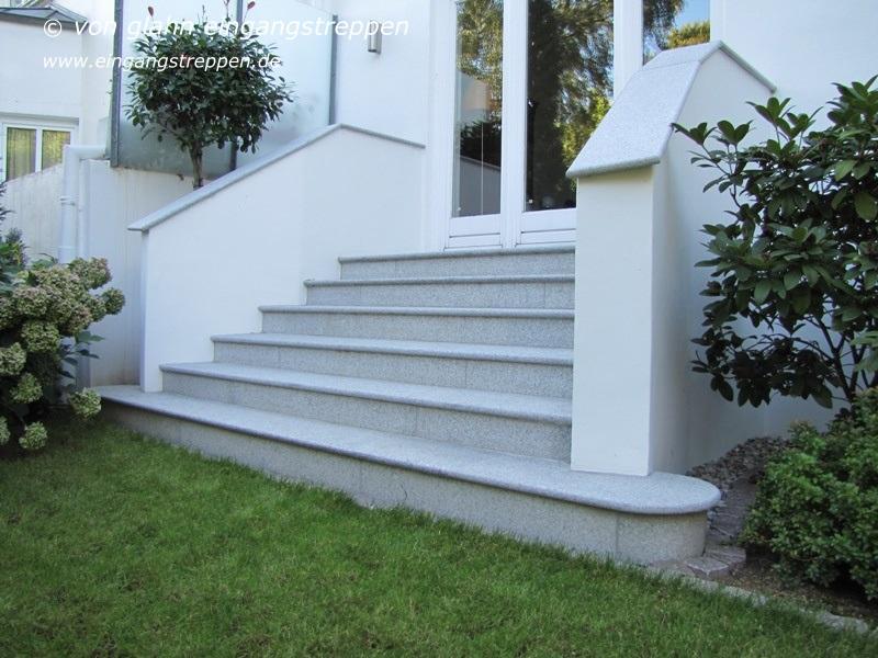 treppen und podeste aus granit und naturstein im. Black Bedroom Furniture Sets. Home Design Ideas